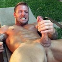 Webcam sexe avec un homme viril agressif